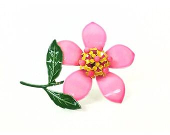 Flower brooch, Pink brooch, vintage brooch, enamel brooch, 1960s brooch, 60s brooch, vintage jewelry, pink jewelry