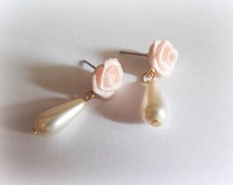 Baroque style faux pearl dainty soft pink rose flower drop earrings, bridal earrings, 17th 18th century costume Marie Antoinette earrings,