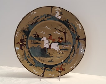 1908 Buffalo Pottery - Deldare 10'' Plate - The Fallowfield Hunt, Breaking Cover - signed M. Sned