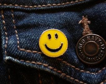 Smiley face enamel pin, lapel pin vintage pin