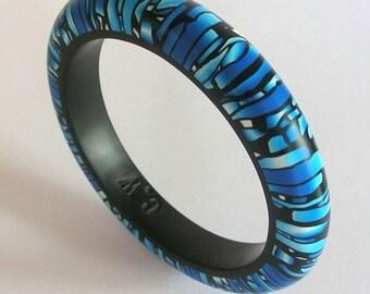 Blue Monarch Stroppel handmade  polymerclay bangle