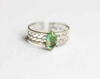 Silver Band Ring, Green Stone Ring, Woven Band Ring, Adjustable Silver Ring, Green Ring, Silver Ring, Stone Ring, Glass Ring, Green Glass