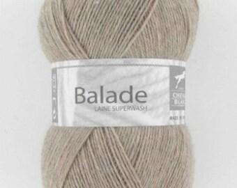 sock yarn knitting white horse ride beige No. 086
