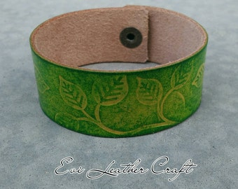 green Leather bracelet with leaf ornament /041/ hand tooled leather cuff 26 mm / leather wristband / green and yellow, leather jewellery