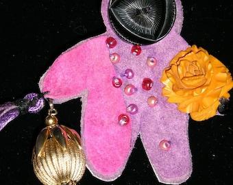 Pin Brooch - Small Spirit Bearing Gifts  -  etsyBead paganteam trashionteam FunkyAlternativeJewelry  GirlGeeksofEtsy, Dollmakers