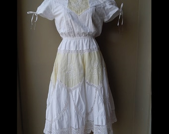 80s White & off white crochet lace dress with some stain Bust 36 Waist up to 30  Hip 38