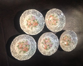 Vintage Royal China Warranted 22 Kt Gold Set of Five Bowls