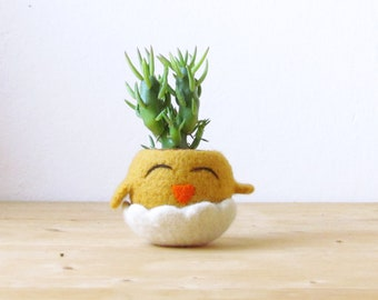Mothers day | Chick planter, Succulent planter, Small succulent pot, felt cactus vase, Animal planter / gift for her - Choose your color!