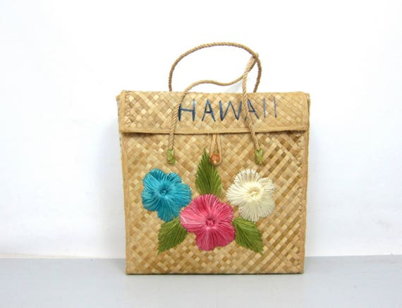 70s Tourist Bag Woven Hawaiian Wicker Straw Purse Beach Tote Farmers Market Bag Floral Raffia Flower Bag Hippie Boho Sewing Craft Tote Bag