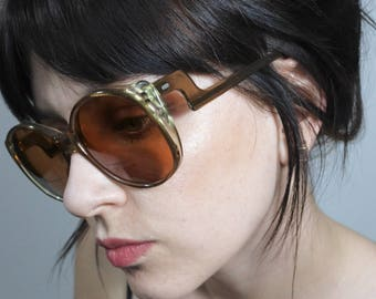 1970s Brown Side Swoop Sunglasses