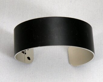 Anodized aluminum cuff bracelet blanks, 3/4 inch x 6 inch, BLACK, one dozen for engraving, stamping, wire wrapping, embellishment