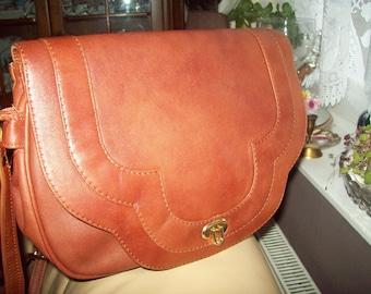 A ladies leather shoulder/cross body bag