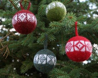 Sanquhar Christmas Tree Ornament Knitting Pattern