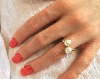 Sterling Silver Pearl Bypass Cabochon Ring - Valentine