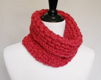 SALE! Pink Crochet Cowl, Chunky Neck Warmer, Short Infinity Scarf, Raspberry Crochet Collar Scarf