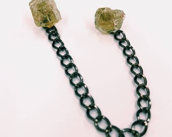 Hiddenite Collar Pin