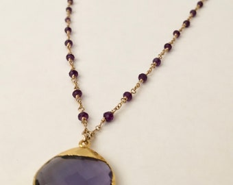 Amethyst gemstone gold necklace with amethyst pendant