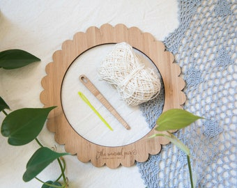 Small Round Bamboo Weaving Loom Starter Kit - includes loom, needle and cotton warp