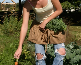 Gathering Apron for harvesting the garden