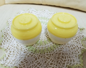 Vintage Admiration Bean Pot Salt and Pepper Shakers
