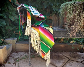 1940s Mexican Saltillo serape blanket wool and silk, Mexican weaving table cover, woven wall hanging, Southwestern decor, Mexican throw