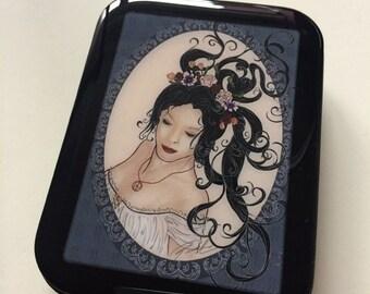 SALE!!! Snow White on Black Card Tin