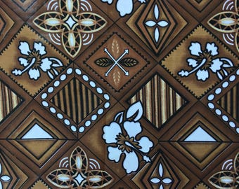 Polynesian CouponTissu 1 Brown and white hibiscus flower pattern