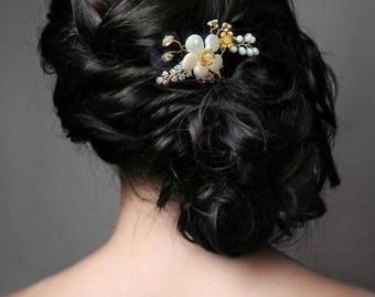 Bridal Pearl brooch and Swarovski, headpiece, Bridal, wedding hair jewelry