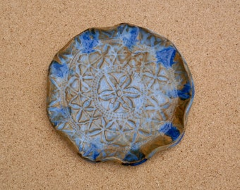 Blue ceramic spoon rest - Small stoneware plate with lace imprint - Handmade trinket dish