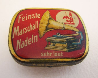 German Marschall Feinste Nadeln Sehr Laut Gramophone Needle Metal Tin Case Box. RED. Early 20th-Century. Antique/Vintage.