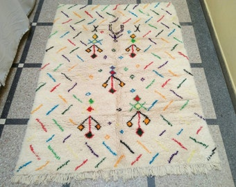 beni ourain Rug, woven carpet, floor covering, Morccan rug, gives the charm and warming to your floor!! 7.5 x  5.8 feet