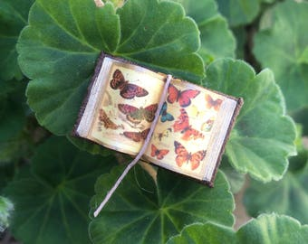 Vintage Butterfly 2 - Open Book (Small) - Dollhouse Miniatures