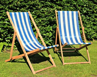 Lovely Pair of Vintage Traditional Wooden Deckchairs