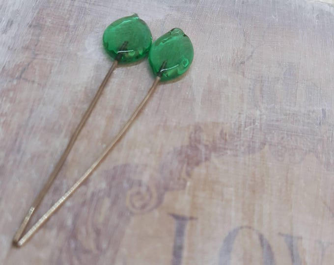 2 lampwork glass headpins, green leaves, SAHP23