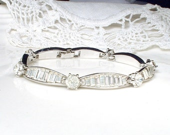 PRISTINE TRiFaRi Vintage Art Deco Bracelet,Pave Rhinestone Baguette Crystal Silver Link 1920 Wedding Flapper Jewelry 1940 Bridal Dainty Lacy