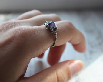 MADE TO ORDER  Silver plated Little amethyst ring, simple stone ring, amethyst crystal, boho jewelry, wire wrapped jewelry, witch ring