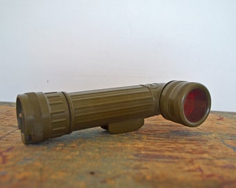 Vintage US Military Angle Head Flashlight from Gulf War Fulton MX991/U model in olive