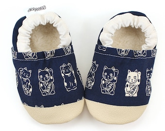 lucky cat baby shoes lucky cat booties maneki neko soft sole shoes asian baby shoes navy blue shoes shoes vegan baby shoes chinese new year