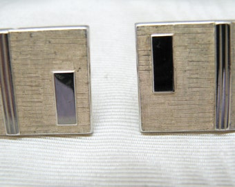 c371 Handsome Vintage Gold Tone Swank Square Cuff Links
