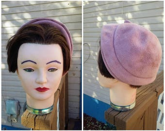 Vintage 1930s 30s Ladies Hat Mauve Velour with Flower Brooch Bow Old Hollywood