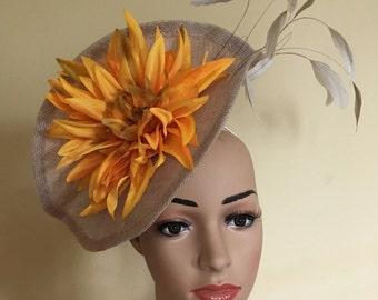 Large fascinator.Beige fascinator.Wedding fascinator.Race day fascinator.Pretty fascinator.Flower hat.Flower fascinator.Natural colour hat.