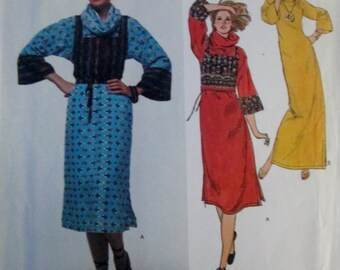 Vogue American Designer 1599 Carol Horn 70s Loose Fitting Pullover Dress Sewing Pattern Size 14 Bust 36