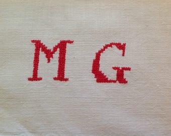 Monogrammed cross stitch, Metis, letter 3 cm height