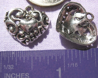 pretty scroll heart Charm Tibetan Silver jewelry supply 2 pieces