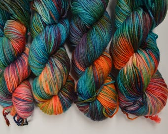 Aubs Worsted, hand dyed yarn, handdyed yarn, hand dyed worsted yarn, hand painted yarn, worsted yarn, worsted weight, Paradise