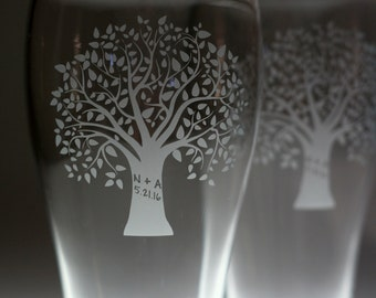 Custom personalized Full tree with initials and date engraved glasses (set of 2) newlywed gift , wedding gift , engagement gift