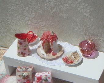 OOAK-Dollhouse cherry cake and one slice on plate. 1:12 Miniature cakes, cupcakes, macaroons, meringues, miniature pattiserie handmade.