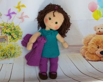 Puppe Lizzy, kleines Mädchen Lizzy, Püppchen häkeln, Puppe mit Haaren, Frisierbare Puppe, Puppenkleidung, Knotenzeug