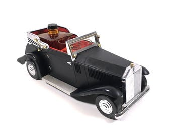 Whiskey Decanter Set in Vintage Black Antique Style Car with 4 Shot Glasses in Automobile Caddy Holder, Fun Mad Men Decor!