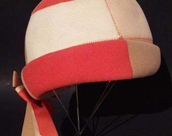 1950s Vintage Patchwork Felt Hat Cloche Orange Tans White Size 22